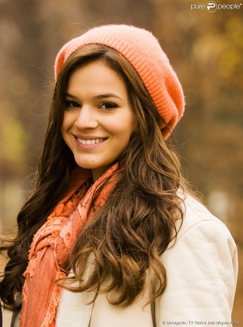 Bruna Marquezine é Luiza, a filha de Helena (Julia Lemmertz) na terceira fase da novela 'Em Família'