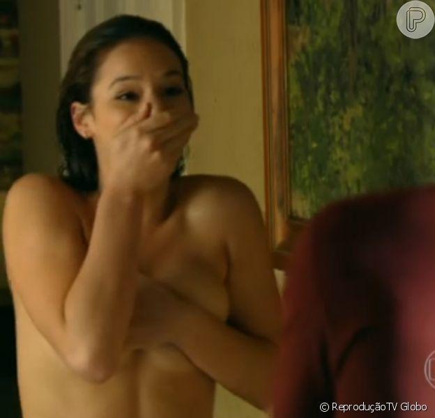 Bruna Marquezine surge provocante como Helena na estreia da novela 'Em Família', exibida nesta segunda-feira, 3 de fevereiro de 2014