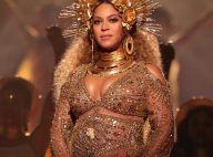 Beyoncé, grávida de gêmeos, exibe barriga no palco do Grammy 2017. Fotos!