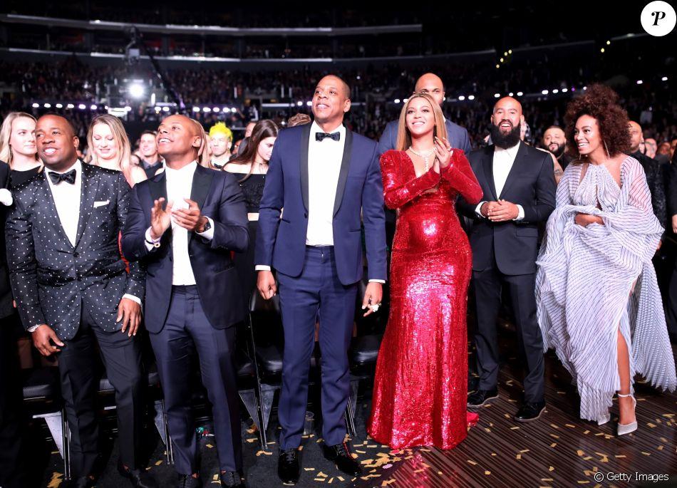 Beyoncé, grávida de gêmeos, exibe barriga durante o Grammy 2017, que aconteceu no Staples Center, em Los Angeles, nos Estados Unidos, neste domingo, 12 de fevereiro de 2017