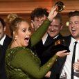 No Grammy 2017, Adele quebrou o troféu para dividir com Beyoncé