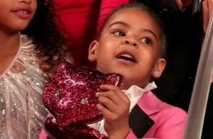Bolsa Gucci de Blue Ivy, filha de Beyoncé, usada no Grammy custa R  6 mil 5f870e497f