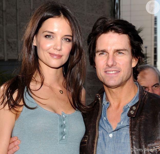 Katie Holmes procura Tom Cruise após morte de ex-sogra, Mary Lee South