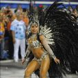 Raissa de Oliveira ocupa o posto de rainha de bateria da Beija-Flor há 15 anos