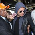 Ed Westwick, de 'Gossip Girl', causou alvoroço entre fãs ao desembarcar em São Paulo nesta quarta-feira, 15 de fevereiro de 2017
