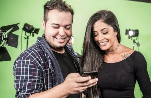 Aline Riscado tem perfil e dá match no Tinder em novo vídeo da Parafernalha