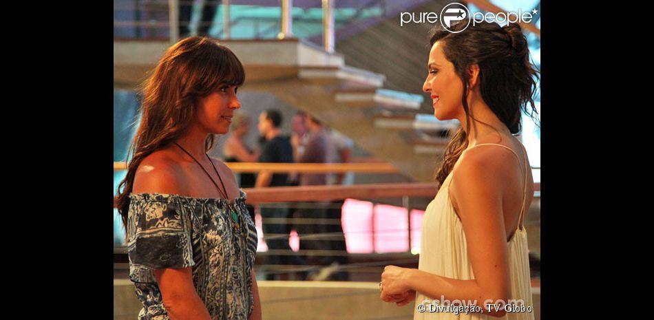 Clara (Giovanna Antonelli) confidencia a Marina (Tainá Müller) questões sobre seu casamento, na novela 'Em Família', em 17 de fevereiro de 2014