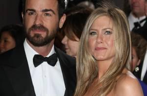 Jennifer Aniston comemora aniversário sem a companhia do noivo, Justin Theroux