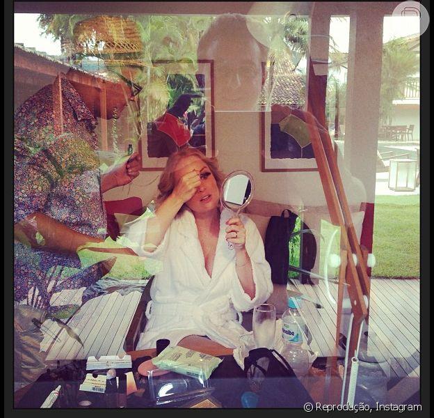 Angélica se prepara para gravação e é flagrada por Luciano Huck, em 13 de janeiro de 2013