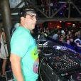 André Marques se apresentou como DJ neste fim de semana e impressionou pelo corpo bem mais magro
