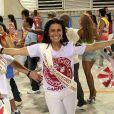 Giovanna Antonelli atravessou a Sapucaí, em 2009, na ala da diretoria do Salgueiro