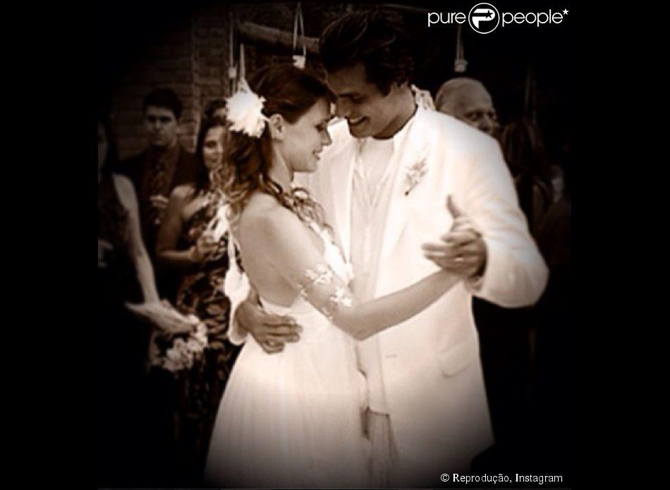 Vanessa Lóes comemora sete anos de casamento com Thiago Lacerda com mensagem romântica em rede social: 'Prevalece o amor', escreveu ela em seu perfil no Instagram