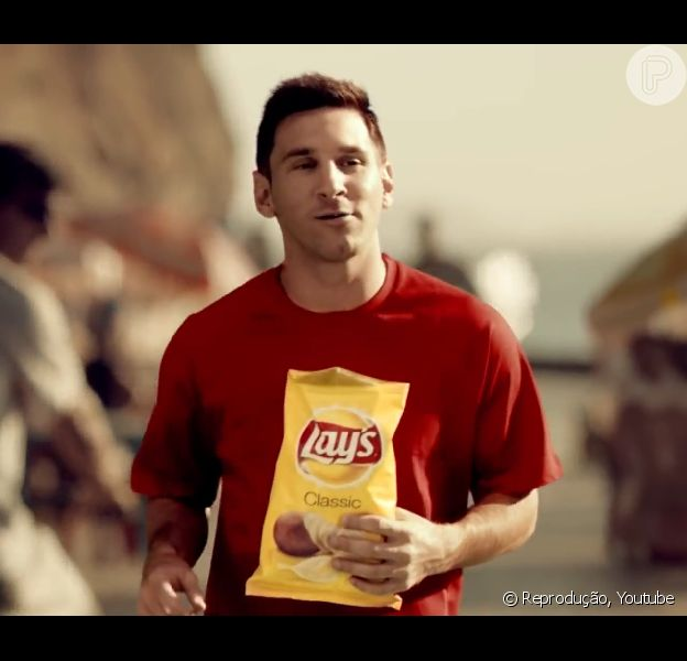 Messi causou polêmica ao estrelar um comercial de uma batata frita no Rio de Janeiro