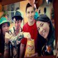 Messi causou polêmica ao estrelar um comercial de uma batata frita no Rio de Janeiro. Na propaganda, o craque é roubado por fãs brasileiros que pedem para tirar foto com ele