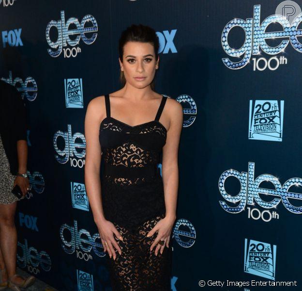 Lea Michele usa vestido transparente da grife Milly para a comemoração do 100º episódio do seriado 'Glee'