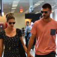 Fernanda Lima e Rodrigo Hilbert embarcam no aeroporto Santos Dumont, no Rio de Janeiro,em 31 de março de 2014