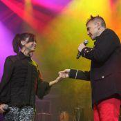 Netinho canta com Anitta em estreia de turnê e chora com recado de Gilberto Gil