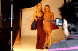 Fiorella Mattheis posa com a mãe em campanha publicitária: 'Ela não é linda?'