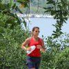 Ângela Vieira mantém a boa forma se exercitando na Lagoa Rodrigo de Freitas