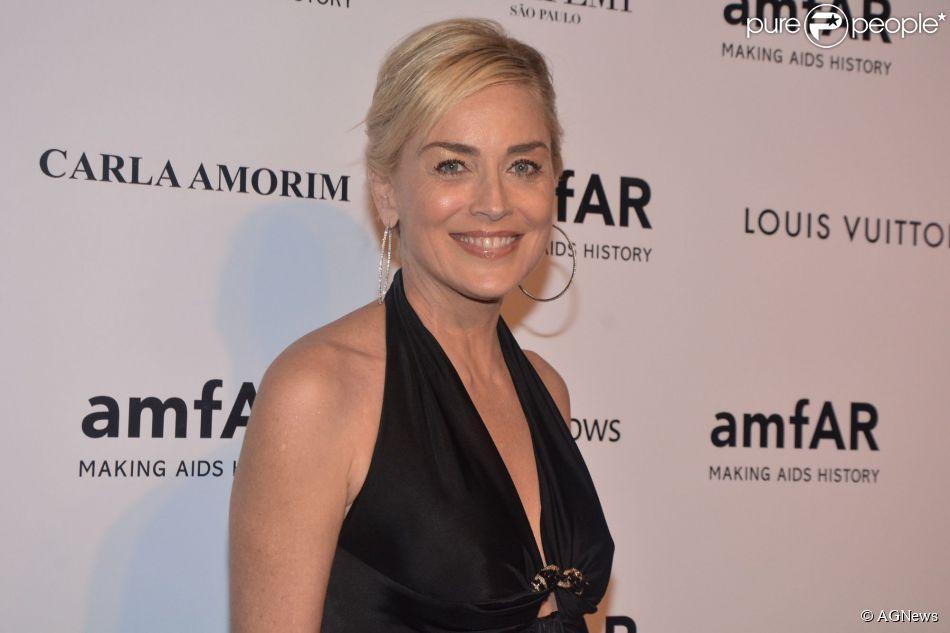 Segundo a revista 'National Enquirer', Sharon Stone sofreu um AVC quando ficou internada no Brasil, em 25 de abril de 2014