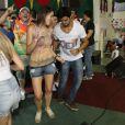 Rodrigo Simas mostra que tem samba no pé na comemoração do aniversário do irmão, Felipe