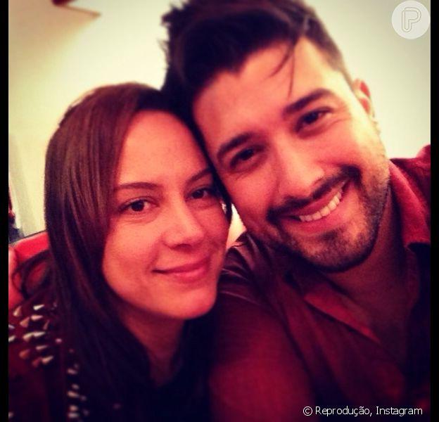 Edu Pedroso pode ser preso por não pagar pensão alimentícia à filha, Sophie. O cantor é casado com Silvia Abravanel (13 de maio de 2014)