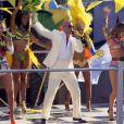 O videoclipe lançado é da música ' We Are One (Ole Ola)'