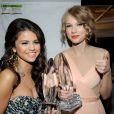 Recentemente, Taylor Swift e Selena Gomez posaram juntas para afirmar que continuam amigas