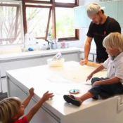 Rodrigo Hilbert estreia programa de culinária: 'Aprendi com minha mãe e avó'