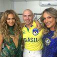 Jennifer Lopez se apresentou ao lado de Claudia Leitte e do rapper Pitbull com a música 'We Are One', tema oficial da Copa 2014