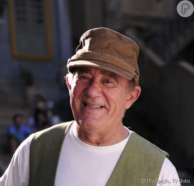 Renato Aragão tem alta do hospital no Rio após passar duas noites internado