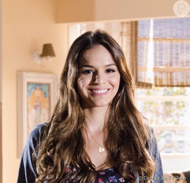 Luiza (Bruna Marquezine) conhece um charmoso brasileiro em Paris, no último capítulo da novela 'Em Família', em 18 de julho de 2014