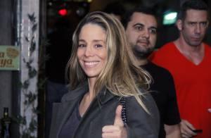 Danielle Winits vai a restaurante após estreia de peça no Espírito Santo