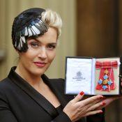Kate Winslet é homenageada pela rainha Elizabeth II no Palácio de Buckingham