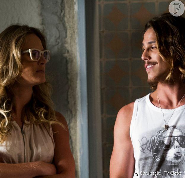 Robertão (Rômulo Neto) e Érika (Letícia Birkheuer) vão se beijar na novela 'Império'