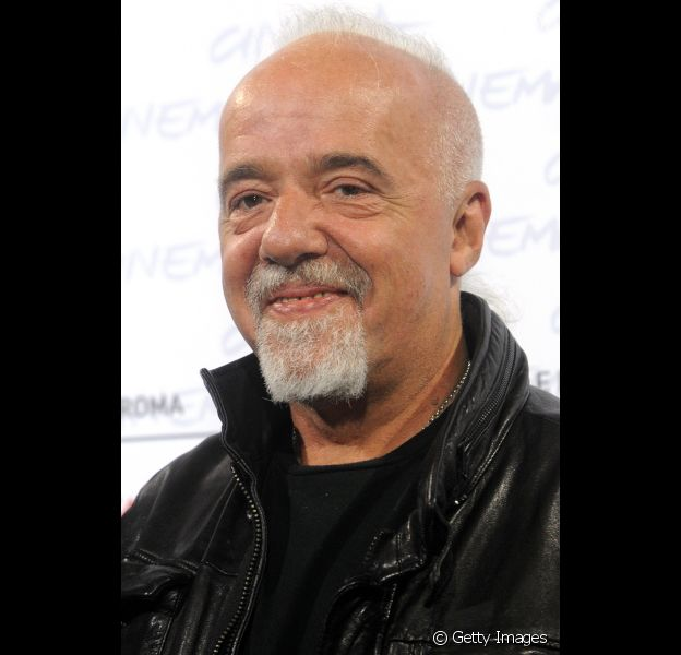 Paulo Coelho completa 67 anos neste domingo, 24 de agosto de 2014