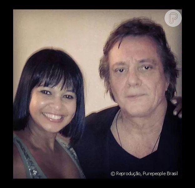 Namorada de Roberto Carlos tira foto com Fábio Jr. e causa ciúme no cantor (25 de agosto de 2014)
