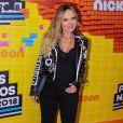 Eliana usou jaqueta com spikes e animal print no  Meus Prêmios Nick 2018
