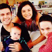 Gabriela Duarte posa com o filho de Regiane Alves e festeja encontro: 'Família'