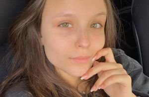 Larissa Manoela posa sem make e diz sobre aparência: 'Me gosto de cara lavada'