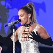 Jennifer Lopez mostra o bumbum em performance de 'Booty' no Fashion Rocks