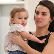 Em momento raro, filha de Rodrigo Santoro é fotografada em passeio com a mãe