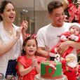 Wesley Safadão e Thyane Dantas com os filhos, Dom e Ysis, no mesversário do caçula