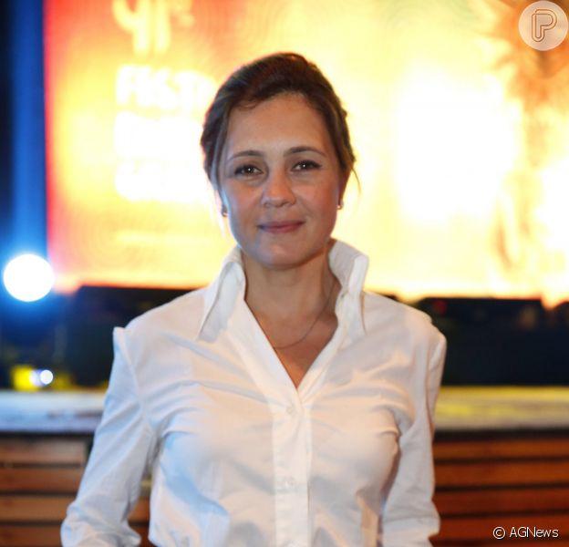 Adriana Esteves está no elenco da série 'Felizes para Sempre', da TV Globo. As gravações terminam em outubro de 2014