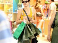 Nanda Costa e Lan Lanh fazem compras de Natal em lojas do Rio
