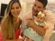Arthur Aguiar mostra rosto da filha, Sophia, e fãs notam semelhança: 'Sua cara'