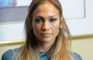 Jennifer Lopez combina look em divulgação de nova temporada do 'American Idol'
