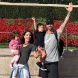 Adriana Sant'Anna viajou para Orlando acompanhada do marido, Rodrigão, dos filhos, Linda e Rodrigo, e de um grupo de amigos