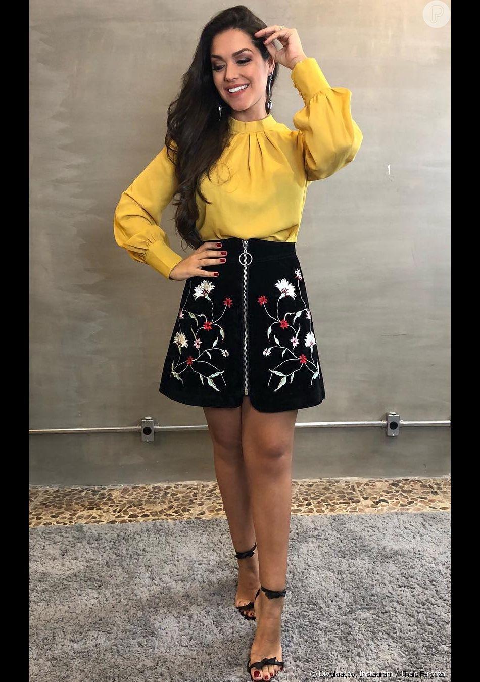 De saia bordada e camisa mostarda, Thais Fersoza ganhou elogio dos fãs nesta terça-feira, 29 de janeiro de 2019