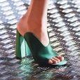Fashion Week de Milão - No desfile da Prada, que aconteceu em Milão, o mule de salto foi um dos protagonistas dos looks